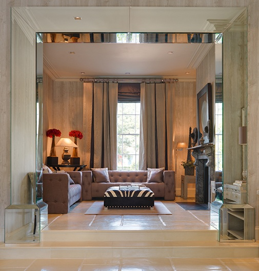 mirror framed entry detail... dying. So glam!!