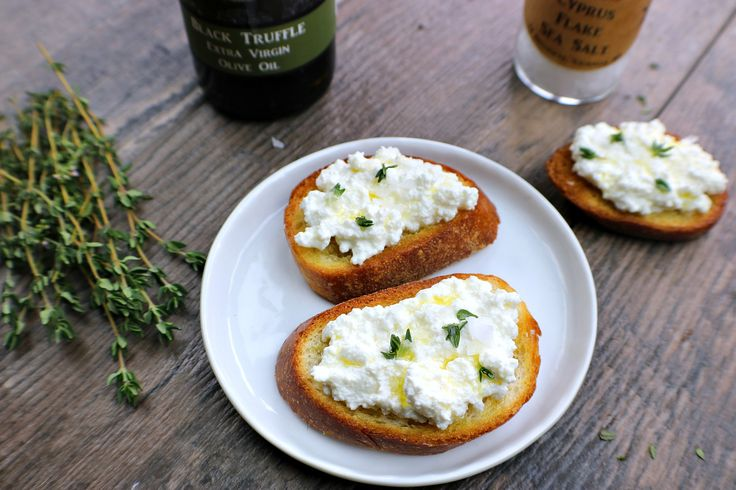 This easy and delicious black truffle crostini is a simple, fast and delicious appetizer to serve at your next dinner party ~ www.mangiamichelle.com