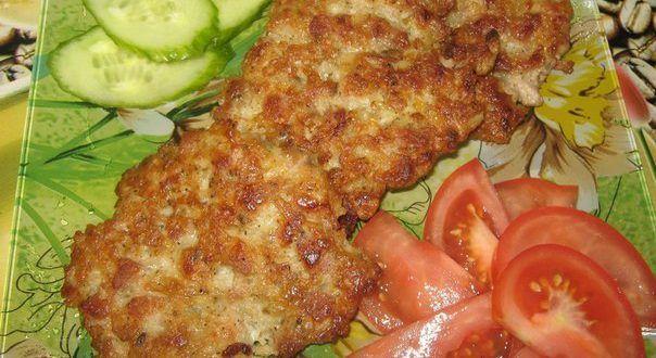 Дивные оладьи на мясной основе могут подаваться к завтраку в качестве самостоятельного блюда или слу...