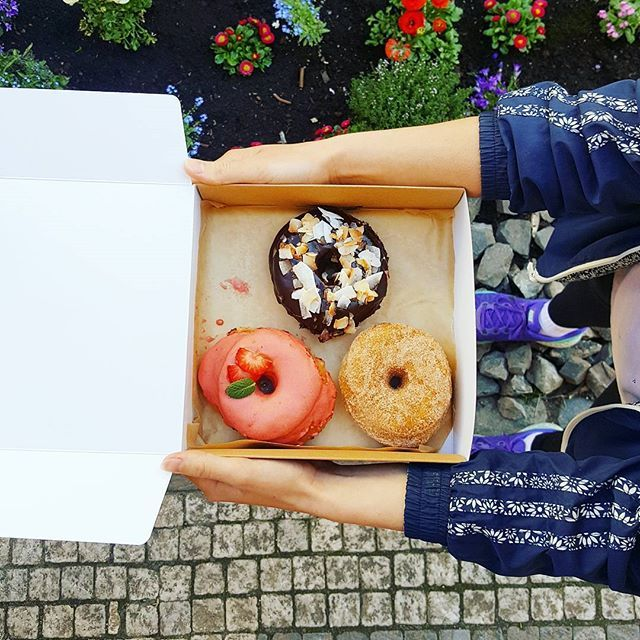 vegan donuts by @donutshopprague. awesomeness in da box.