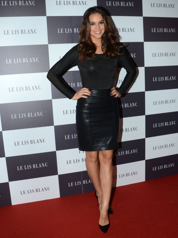 Bruna Marquezine em evento da Le Lis Blanc