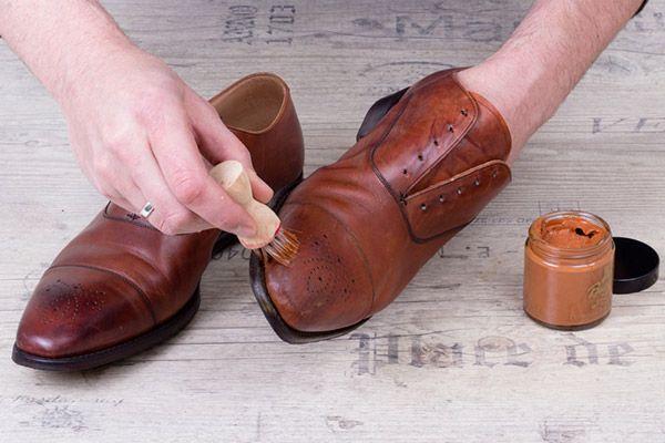 """Ein Bild  der Bildserie aus dem Buch """"Schuhguide für Männer. Die Bilder wurden zur Verfügung gestellt von www.thegoodthings.de"""