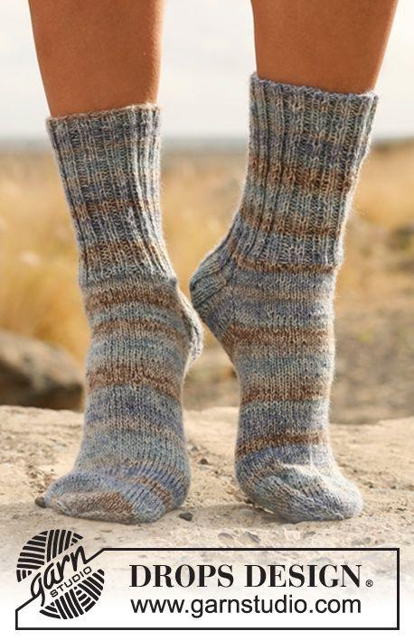 """basique Chaussettes DROPS tricotées en côtes en """"Fabel"""". Du 15/17 au 44/46…"""