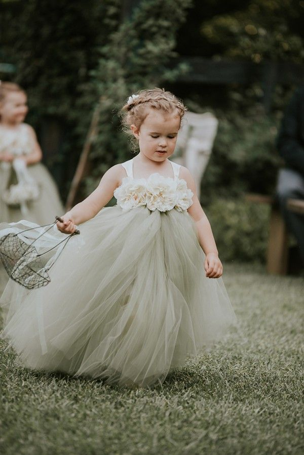 Precious flower girl outfit | Image by Swak Photography