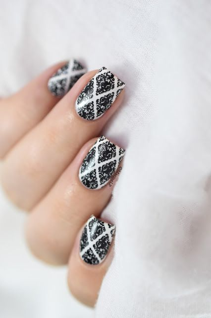 Marine Loves Polish: B&W baroque nails - BP-L016 - stamping