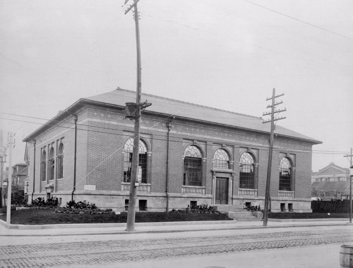 Toronto Public Library; Bloor & Gladstone Branch, Bloor St. W., south west corner Gladstone Ave. Toronto, Ont. vintage photo 1913. Dovercourt Branch officially opened 23 October 1913. Chapman & McGiffin Architects. First TPL branch wholly financed by the City of Toronto. Renamed Bloor and Gladstone, December 1938.