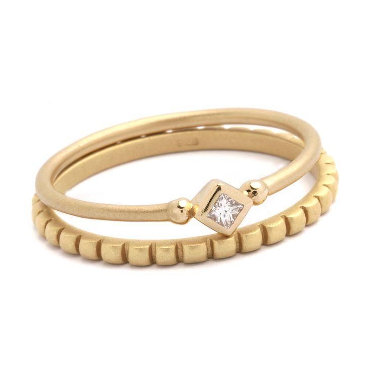 Sana and Sinai rings made of 14K gold.