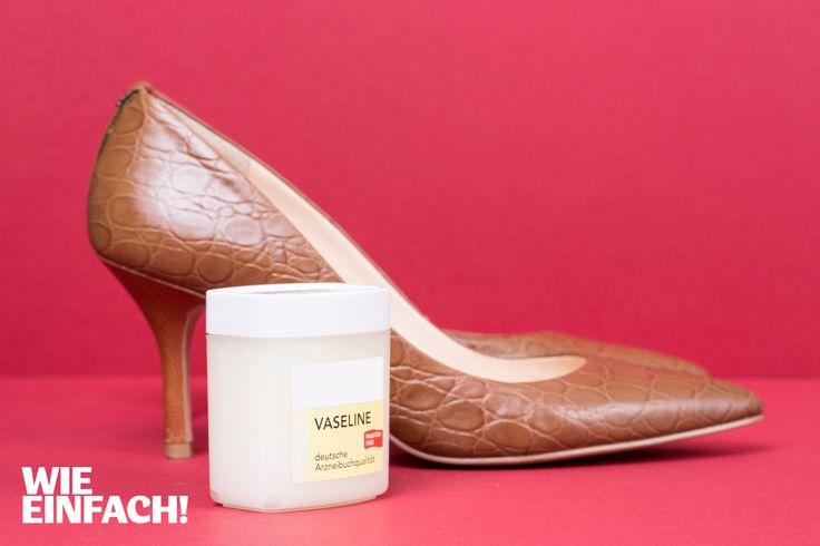 Neue Schuhe lösen nicht selten schmerzhafte Blasen an den Füßen aus. Die Lösung: Einfach vor dem Tragen etwas Vaseline auf die Innenstellen geben, an denen es später drücken könnte, und die Blasen werden gar nicht erst auftreten. Foto: Torsten Kollmer