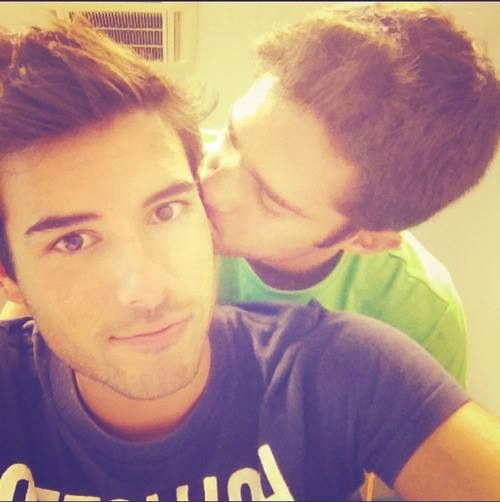 17 Best images about Gay love! on Pinterest Sexy, Gay couple and Kiss