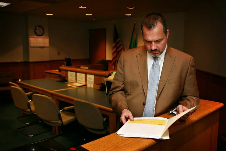 Attorney Jeffrey Lustick getting ready for a trial in Whatcom District Court.