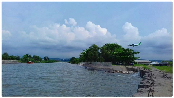Pantai Tirang Tempat Liburan Berbeda di Jawa Tengah - Jawa Tengah