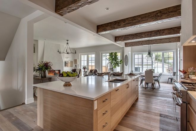 Modern French Country Farmhouse On A, French White Oak Kitchen Cabinets