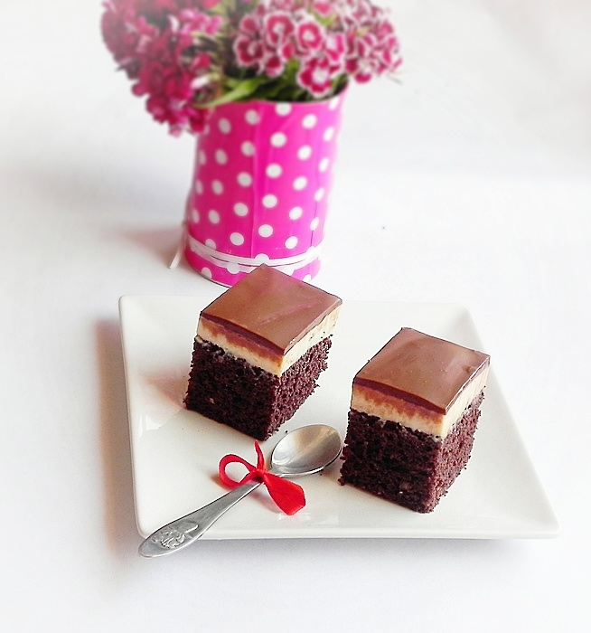 Prajitura cu crema de branza si ciocolata