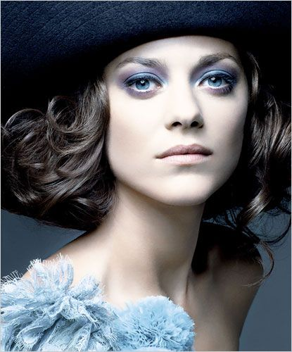 Marion Cotillard. A beautiful and smart french woman. Because of her, I'm going to visit Paris in 2013.