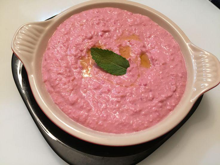 Hummus sencillo de remolacha https://mycook.es/receta/hummus-sencillo-de-remolacha