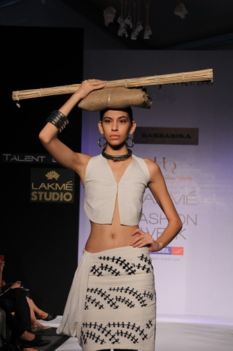 World needs more Warli. So please Anjana Seth, please make more with those fabrics you've printed.