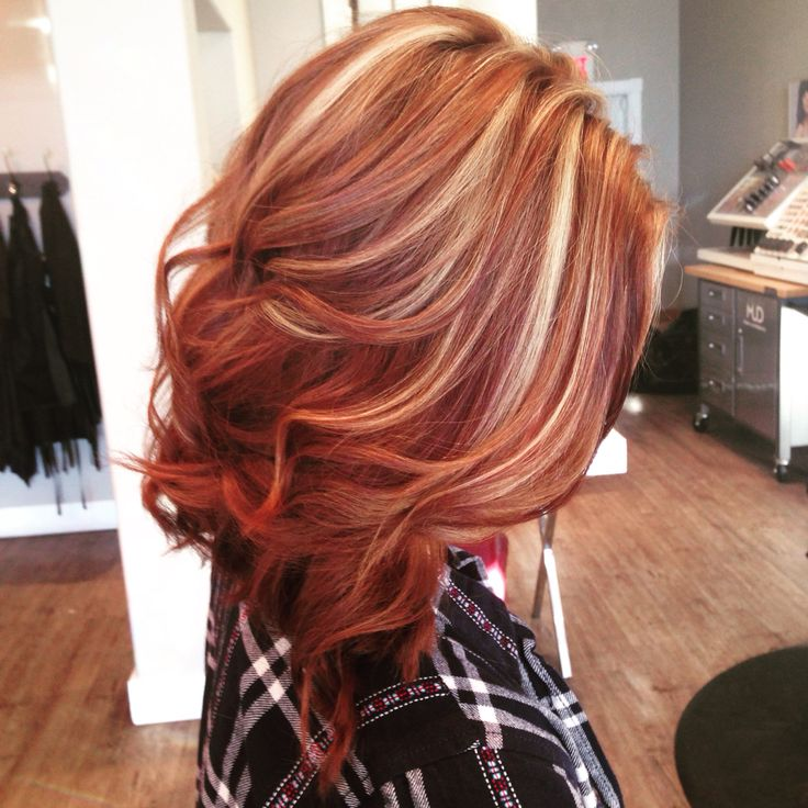 Beautiful copper lob with blonde highlights. Hair by @leahatsalonamp