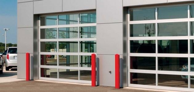 Full View Garage Door 1 Large Connected Garage For Indoor