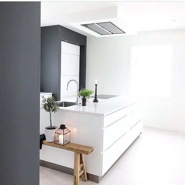 Very cool, very clean, very ...? How do you like this Mano solution from @_hana_style_ #manobykvik #kvik #kitchen #cool #clean #danishdesign #greywall #modular