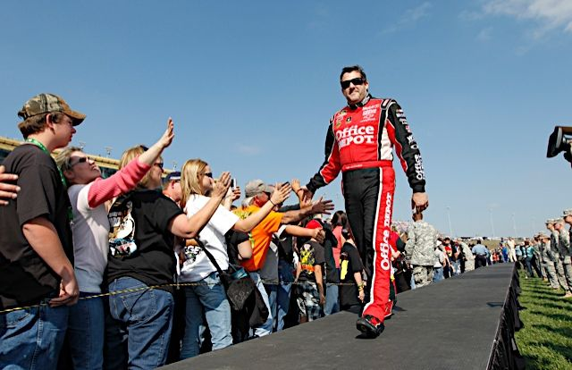 """RACE ADVANCE: Tony Stewart; Ford EcoBoost 400 at Homestead-Miami Speedway - """"Ready To Hit '500'"""""""