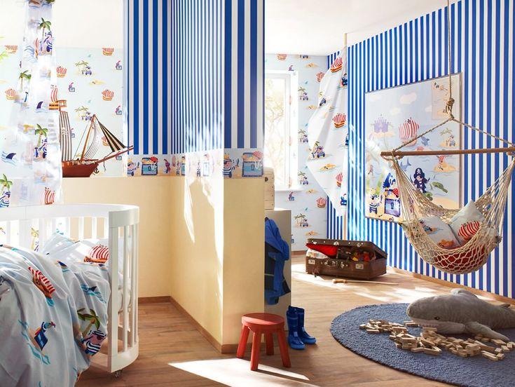 полосатый дизайн детской в морском стиле