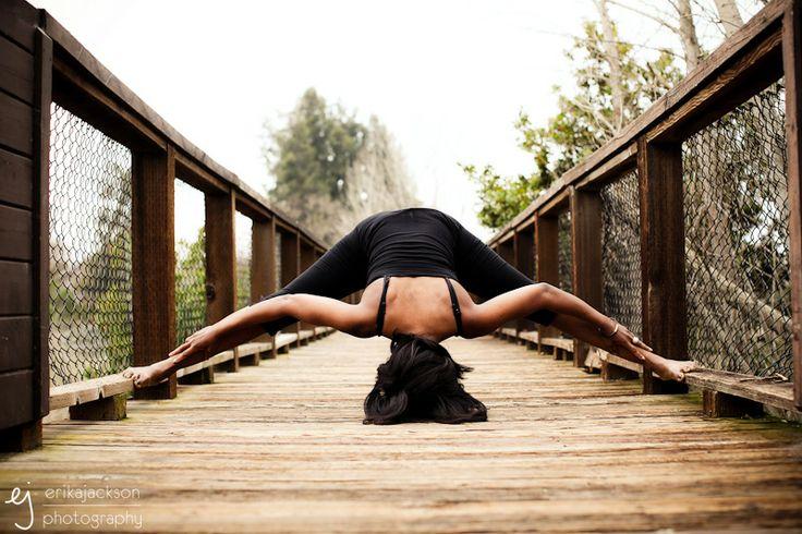 yoga on a bridge. why not.Yoga Poses, Yoga Photography, Prasarita Padottanasana, Healthy Sexy Fit, Fit Inspiration, Yoga Inspiration, Blog, Fitspiration Yoga, Yoga Aahhh