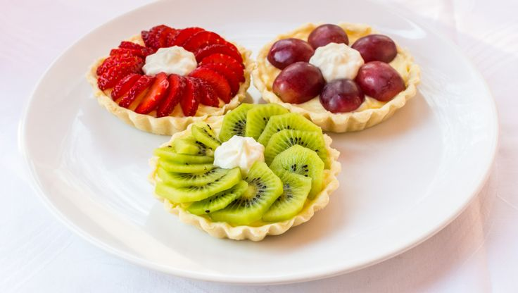 Tarta cu fructe si crema de vanilie/ Vanilla cream tart with fruits