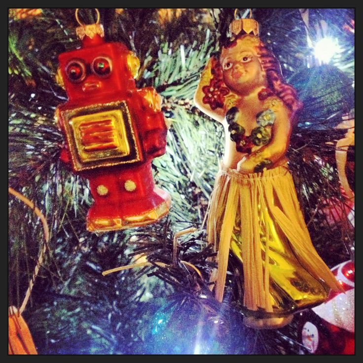 Robot and hula girl- a match made in heaven?