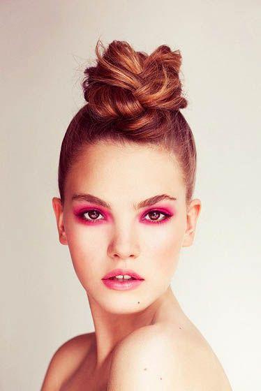 messy bun, pink eyeshadow