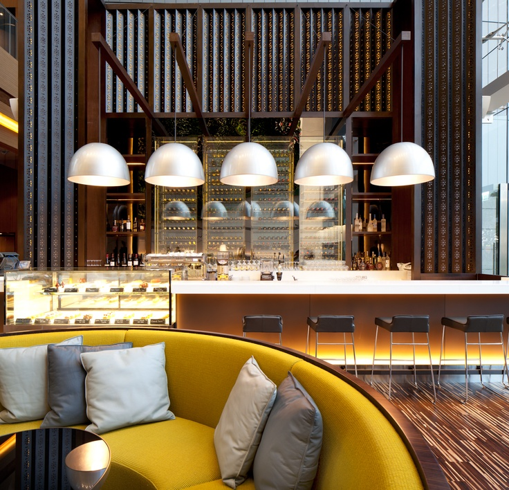 green at hotel icon lounge bar