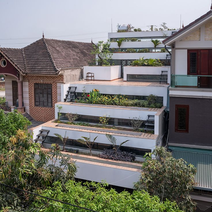 Indoor/Outdoor Living: Terraced Home in Vietnam Boasts 9 Balconies http://feedproxy.google.com/~r/dornob/~3/Qjnhe2E-3Wk/