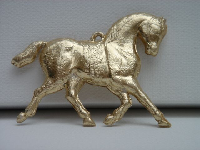 §§§ : Dresden molded cardboard horse ornament ca.1880-1910