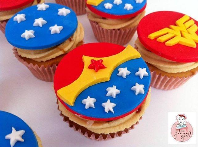 wonder woman cupcakes - Google Search