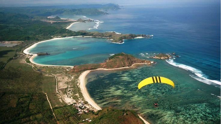 Paragliding over Kuta Bay