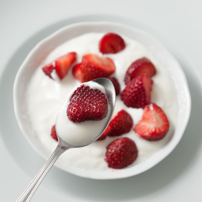 Strawberry serving >>> visit the website to find interesting benefits of strawberry use