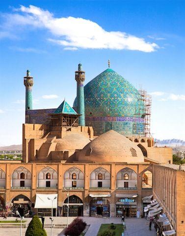 イランのイスファハーン イマーム・モスク                                                       …