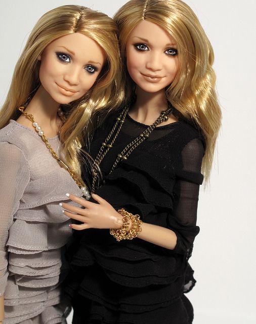 Olsen sisters by Peewee Parker, via Flickr