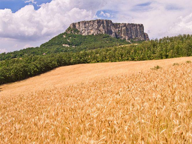 Pietra di Bismantova, Appennino Reggiano, in provincia di Reggio Emilia