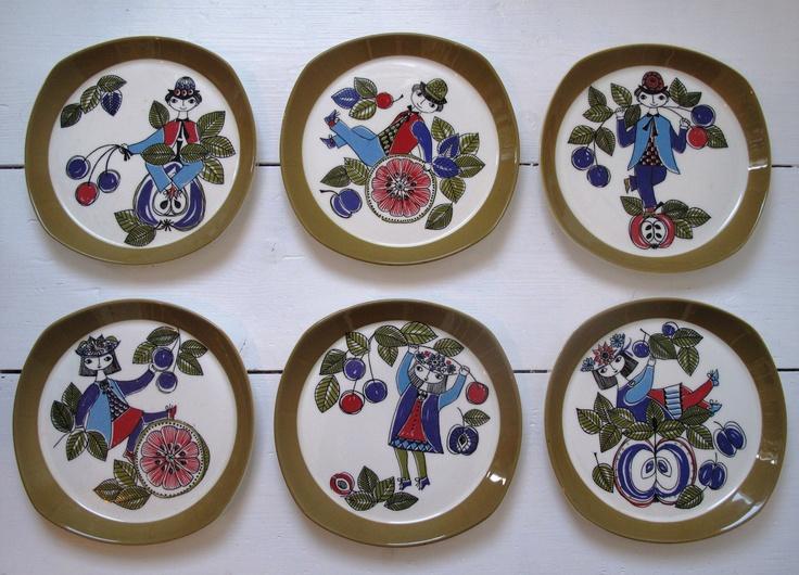 Six 1960s Figgjo Flint Plates by Turi-Design from the Corsica Range. £65.00, via Etsy.