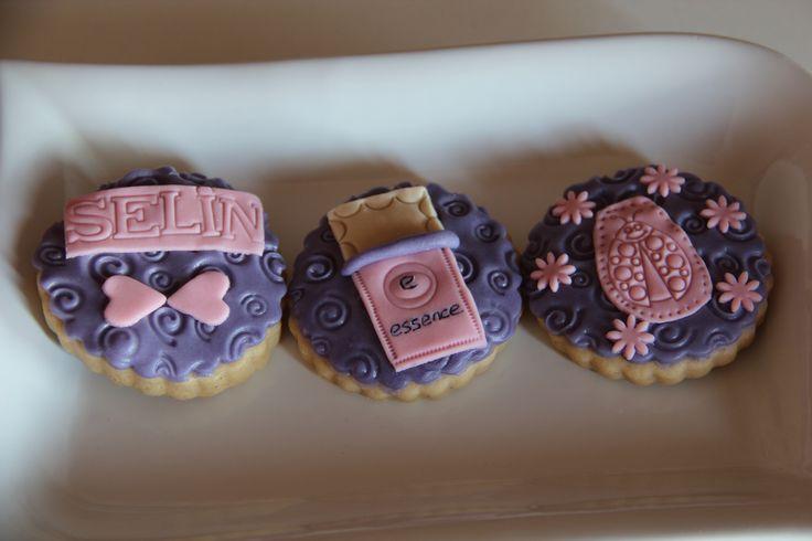 Nailpolish themed purple and pink cookies (Oje tutkunlarına özel mor-pembe butik kurabiyeler)