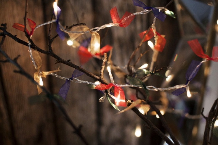 33 best Ways To Decorate Fairy Lights images on Pinterest Light string, Fairy lights and Lights