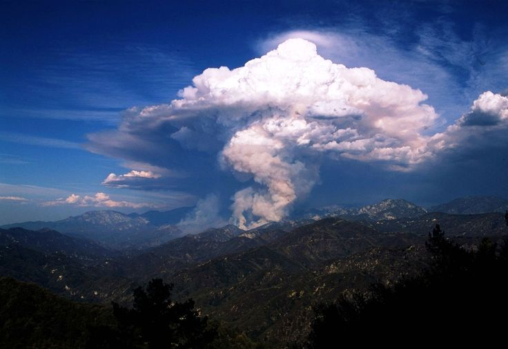 http://ift.tt/2gh1sjd there is a special type of cloud produced by fire or volcanoes