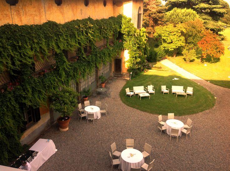 Nozze di giugno nel parco di Palazzo Monti della Corte