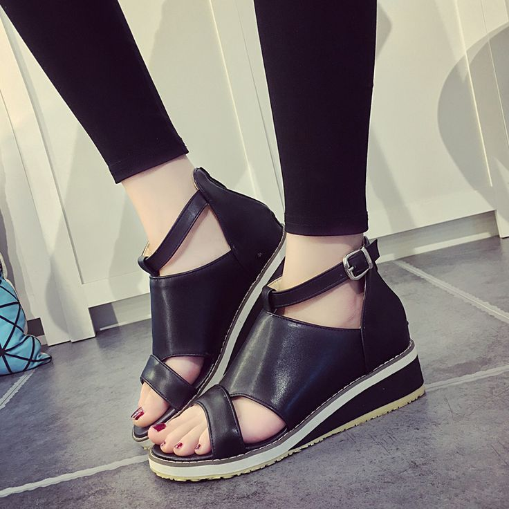 Free Shipping 2017 Summer new hot women sandals flat shoes wedge Fashion Buckle Strap Casual Black white flip flops curry shoes