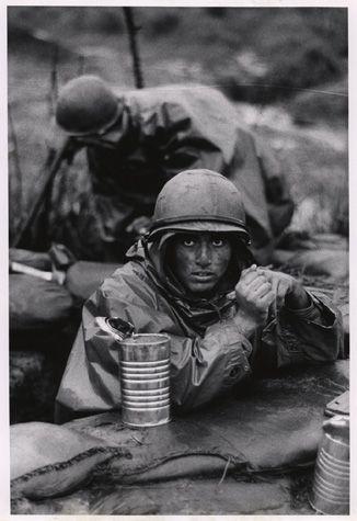 A haunting photo of a U.S. Marine in Con Thien .... Vietnam War