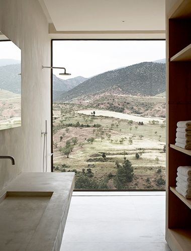 Bathroom w a view #window #windows #landscape #terra #bathroom
