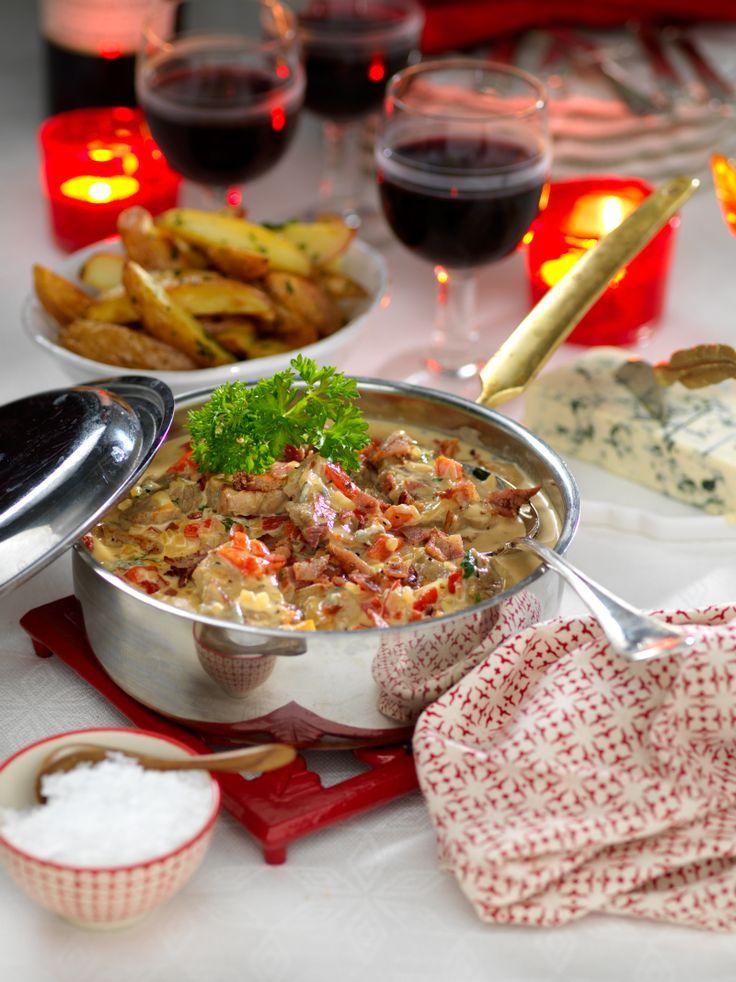Snabblagat och uppskattat! Bjud på festlig fläskfilégryta med gorgonzolaost.