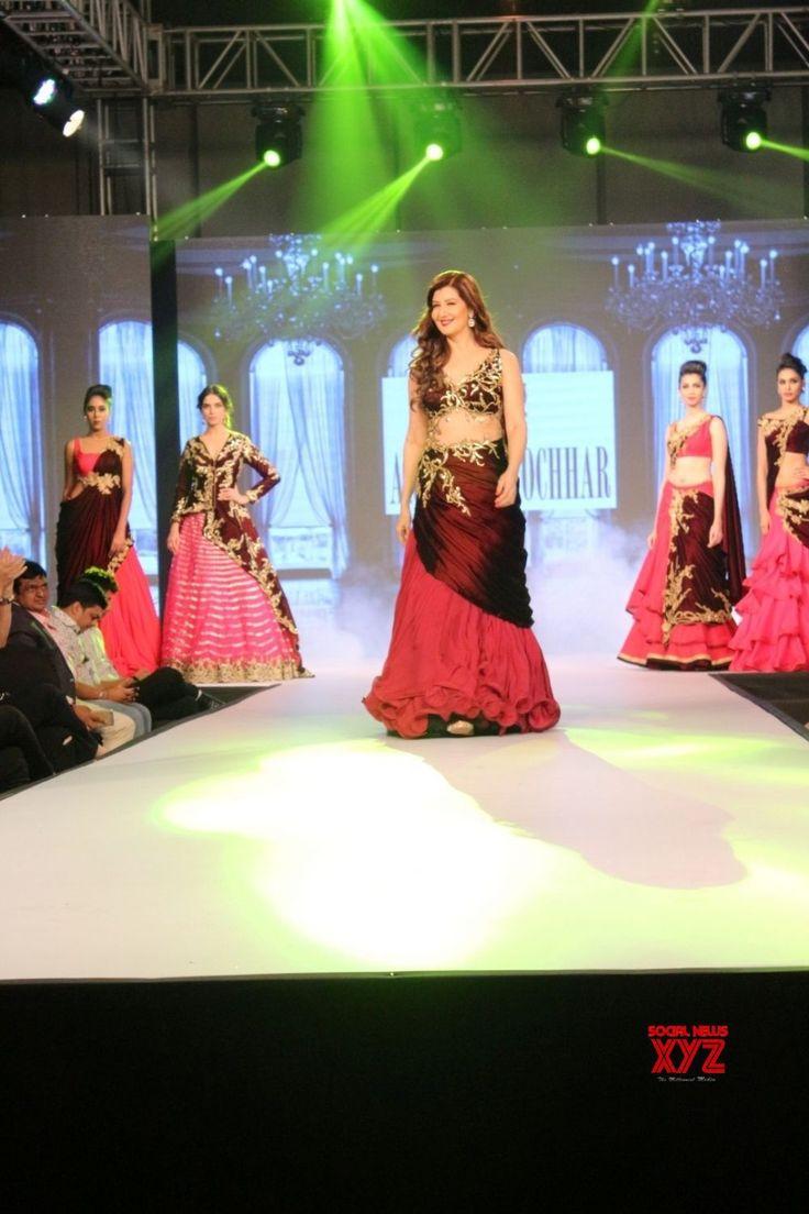 Mumbai: Archana Kochhar's show Zarine Khan, Sangeeta Bijlani - Social News XYZ