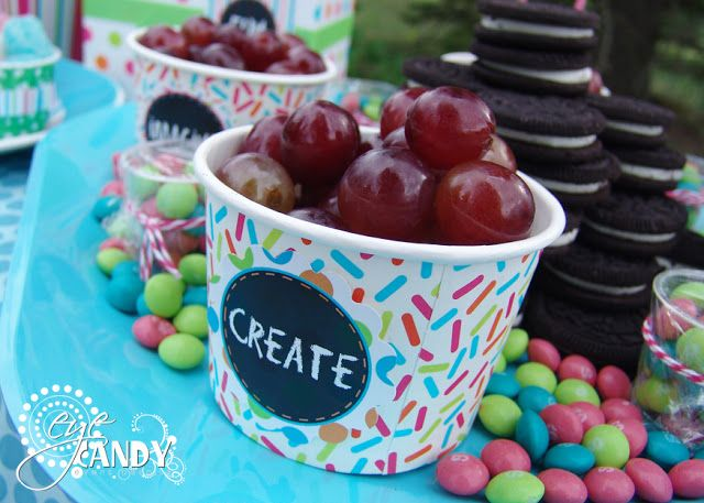 simple food ideas for an art party! (by Eye Candy Event Details)  #artparty #picnic #foodideas #create #chalkboard