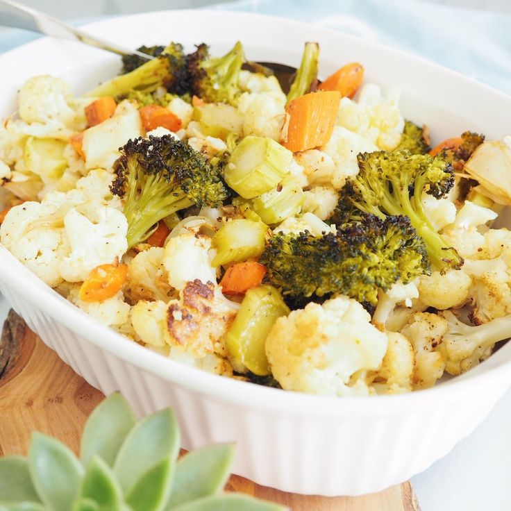 RECIPE | ROASTED BROCCOLI & CAULIFLOWER (Vegetarian)